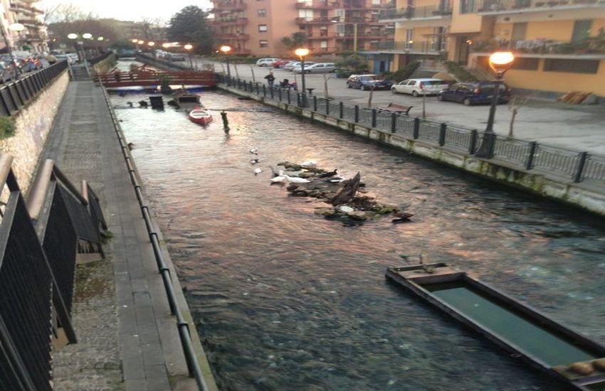 Sversamenti illeciti nel fiume Sarno, aziende sotto la lente di ingrandimento dei carabinieri del Noe: denunciate 2 persone