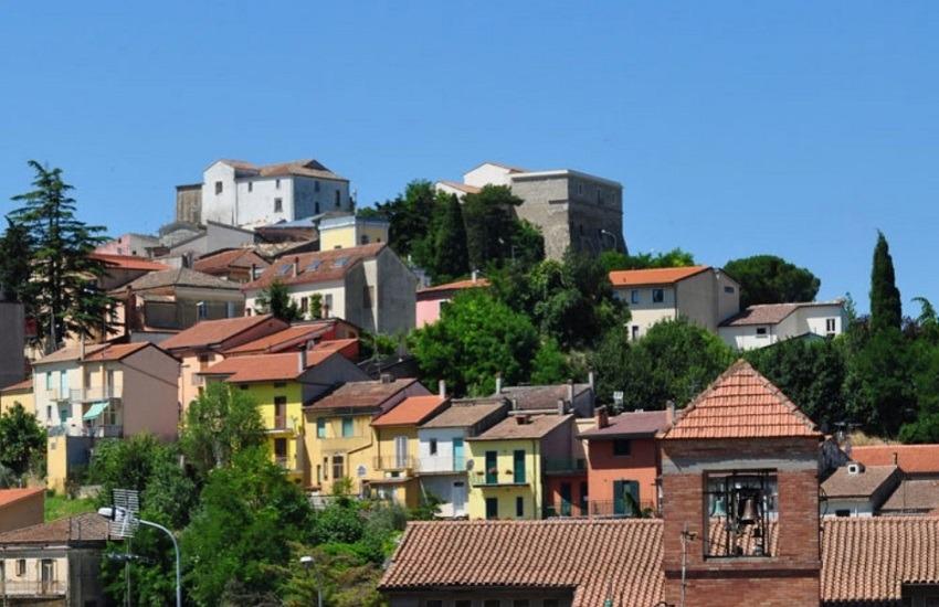 Montecalvo Irpino – Trovato cadavere in casa, 42 enne stroncato da un malore: inutili i soccorsi