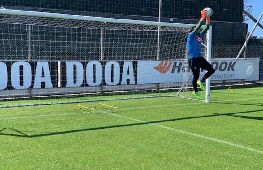 Clamoroso a Lisbona, salta l'amichevole del Napoli con lo Sporting: sono positivi tre calciatori portoghesi