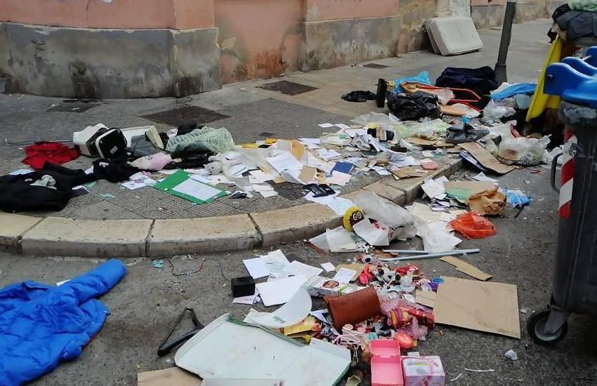 Quartiere Libertà, bollette nel cumulo di rifiuti. Rintracciati e multati i colpevoli