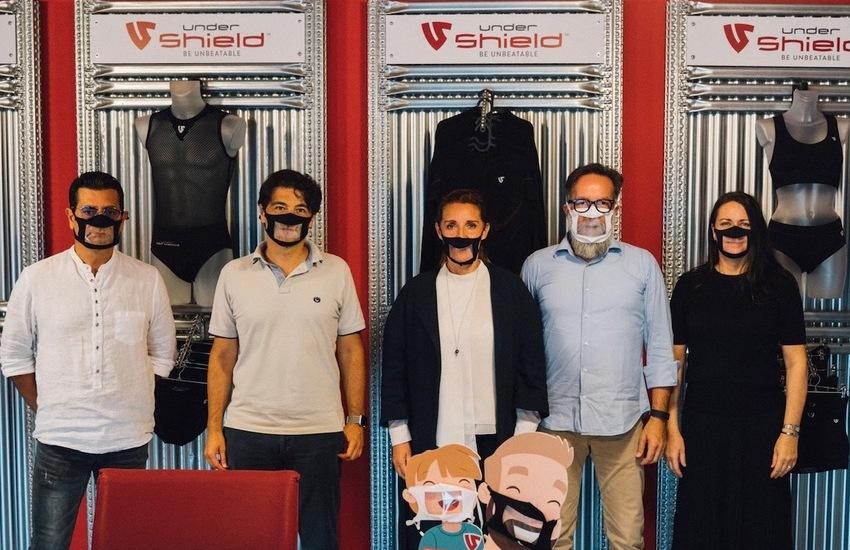 Under Shield lancia le mascherine trasparenti per le persone affette da sordità