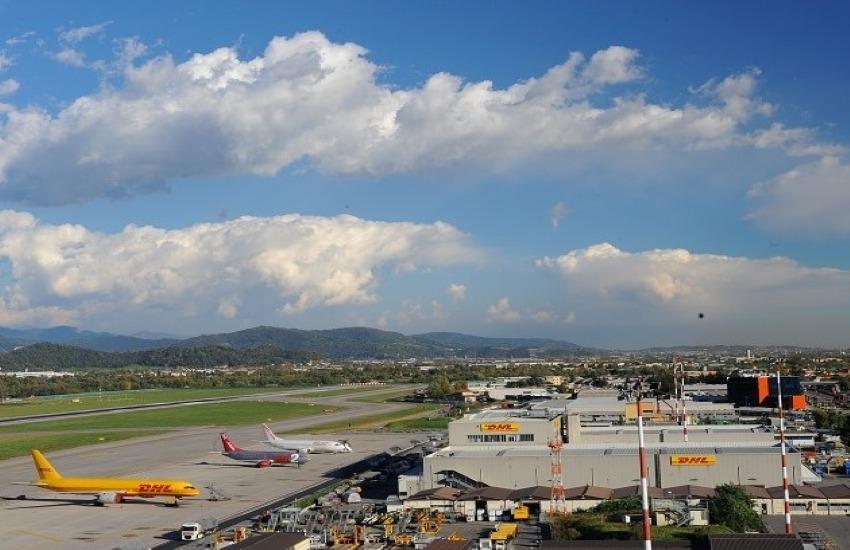 Un aeroporto a mezzo servizio, la polemica di Sintesi