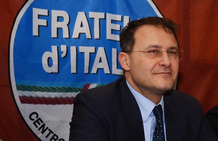 """Aggressione nel carcere di Fuorni, Cirielli (FdI): """"Ci vogliono i taser"""""""