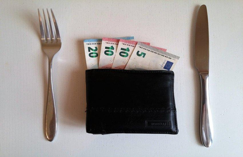 San Vincenzo: mangiano al ristorante poi scappano senza pagare