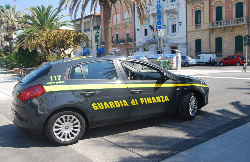 Benevento: blitz della Finanza per concorsi forze dell'ordine