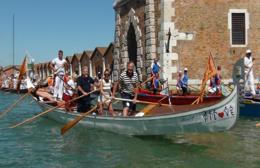 Venezia riparte dalla Vogada della Rinascita
