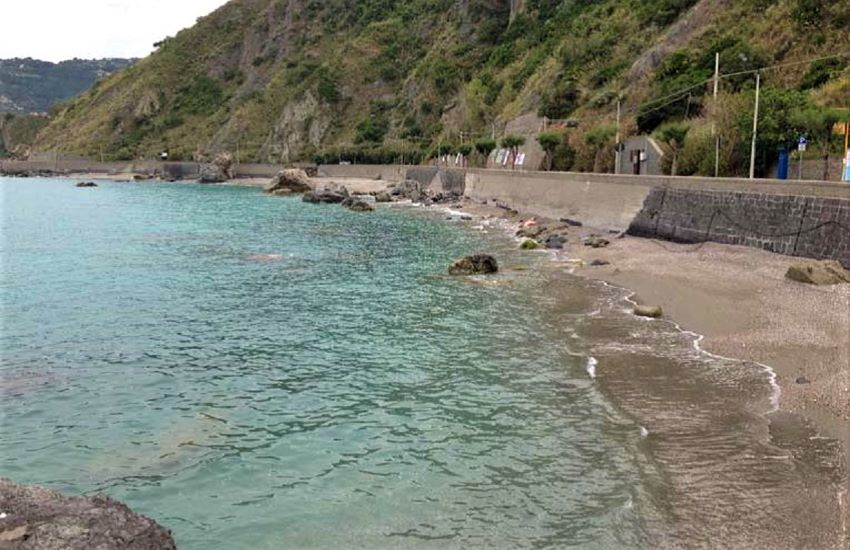 Erosione costiera: ripristino delle barriere nel tratto Piraino-Capo d'Orlando