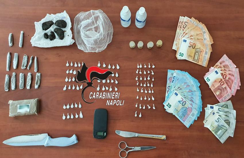 Ercolano, casalinga 46enne vendeva droga nella sua abitazione