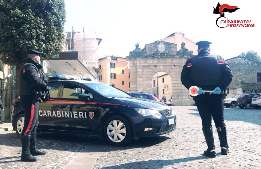 Fugge dai carabinieri col figlio che non aveva restituito alla madre: arrestato uomo di Fontana Liri