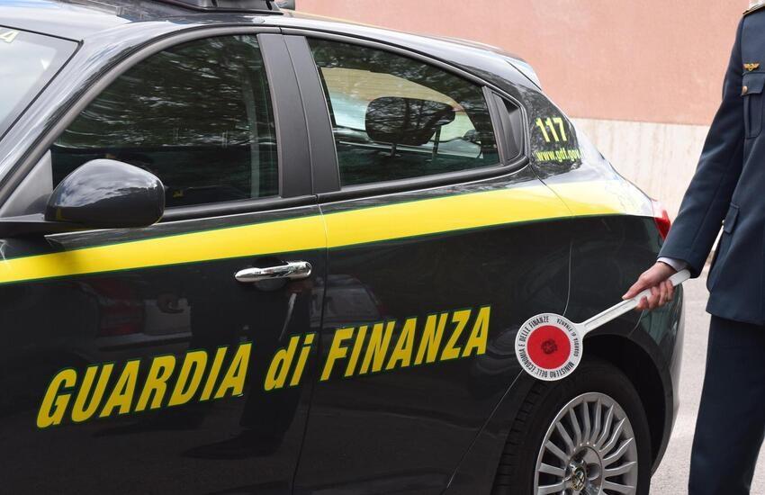 Prato: evasi 154 milioni di euro  e sequestrate 14 milioni di mascherine