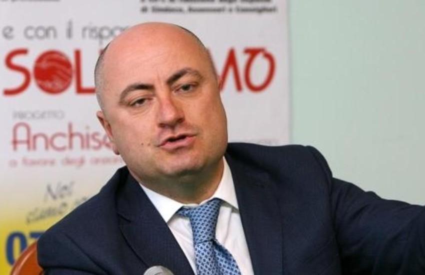 """""""Lo smart working paralizza gli enti pubblici""""; l'appello al governo del sindaco Ottaviani"""