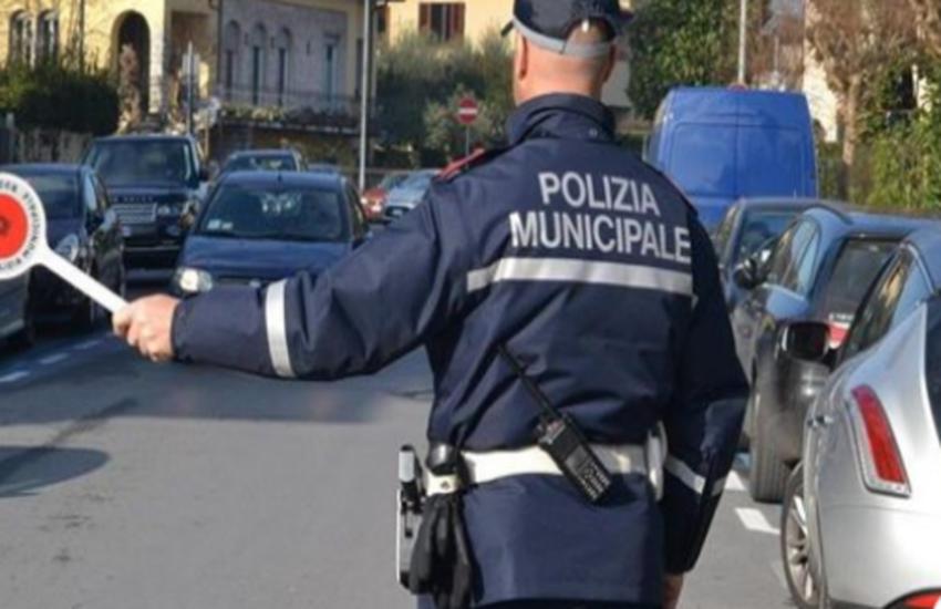 Polizia municipale, incremento di controlli a Palermo contro l'abusivismo commerciale