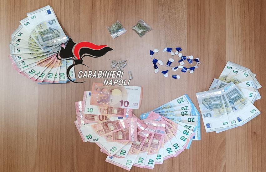 Pusher arrestati a Scampia: soldi in tasca e droga nelle aiuole