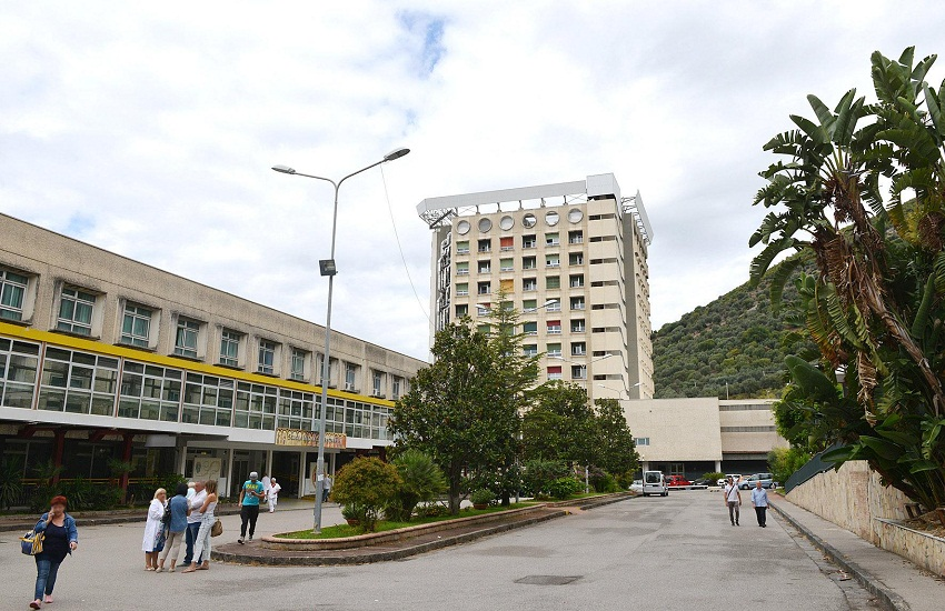 Pronto Soccorso del Ruggi a rischio covid, aumentano i casi