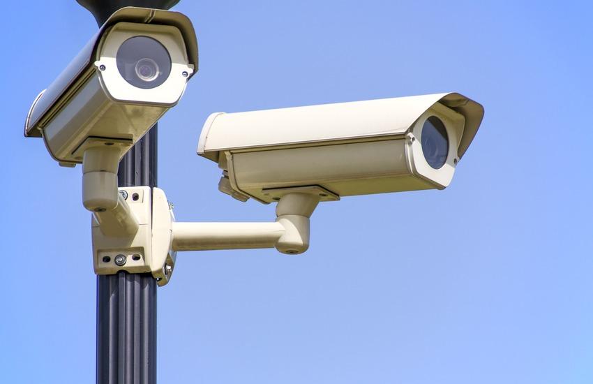 500 telecamere distribuite su 24 comuni napoletani e casertani per contrastare roghi tossici e abbandono di rifiuti