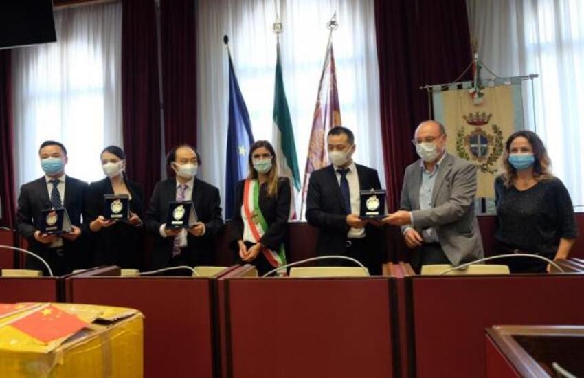 Casme e Fispmed donano al Comune di Venezia 20mila mascherine chirurgiche