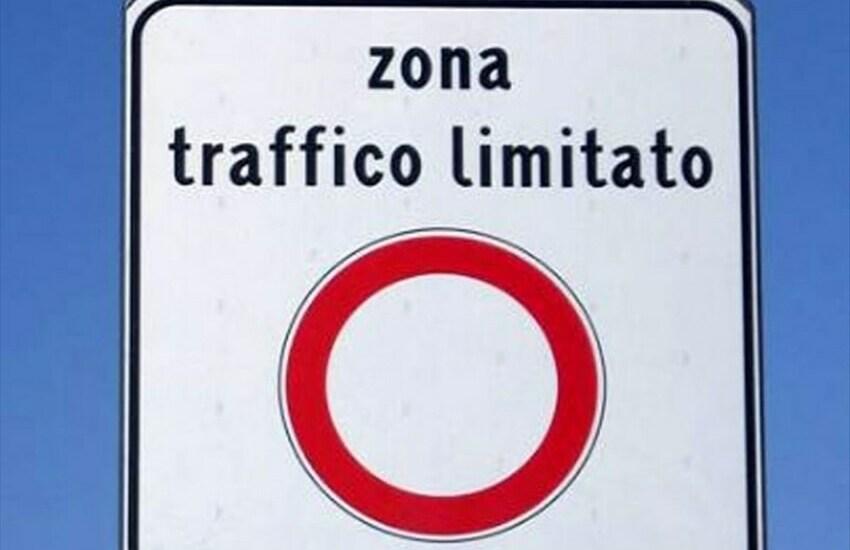Palermo, il Consiglio invita la Giunta a sospendere la Ztl
