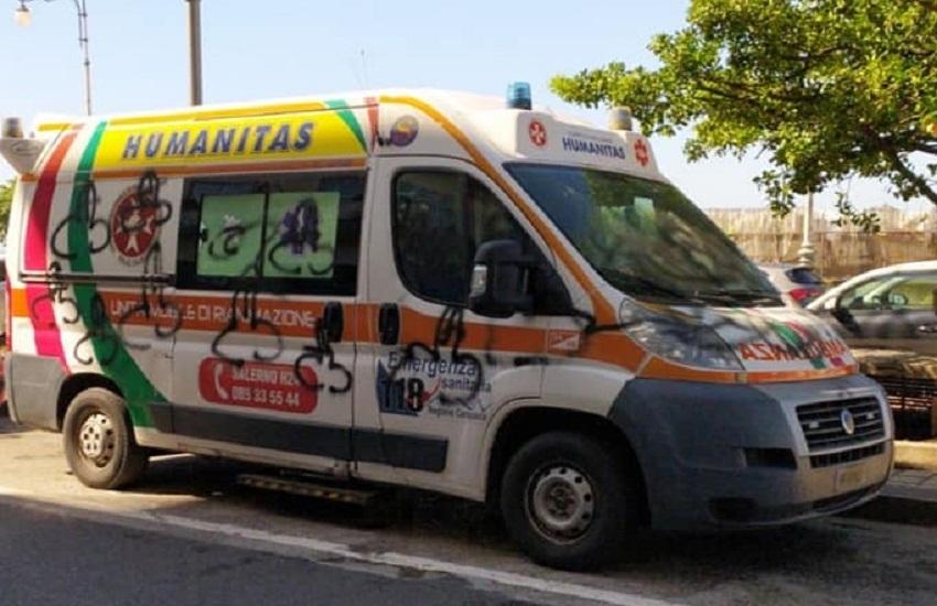 Vandalizzata ambulanza dell'Humanitas durante un soccorso