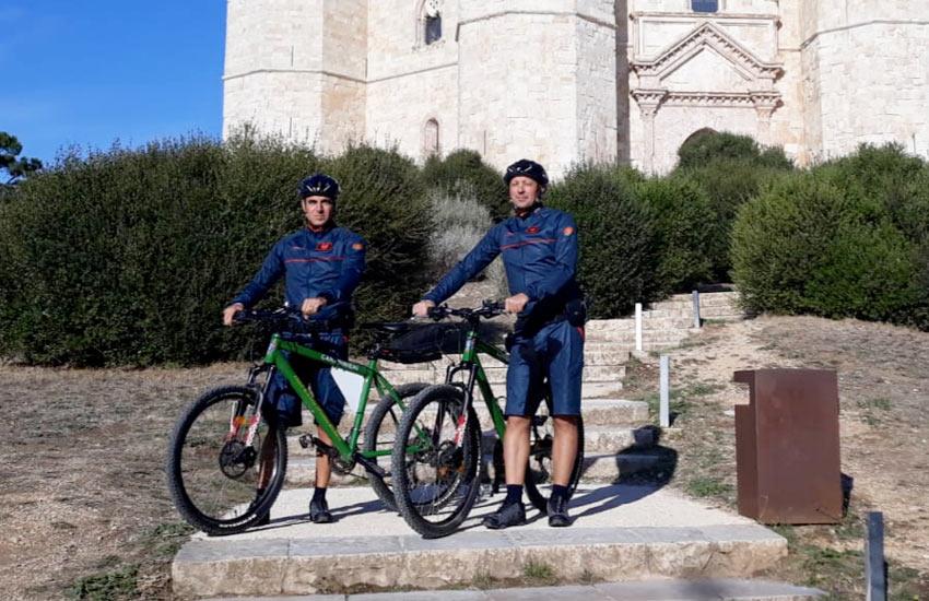 Carabinieri in mountain bike nel Parco Nazionale dell'Alta Murgia