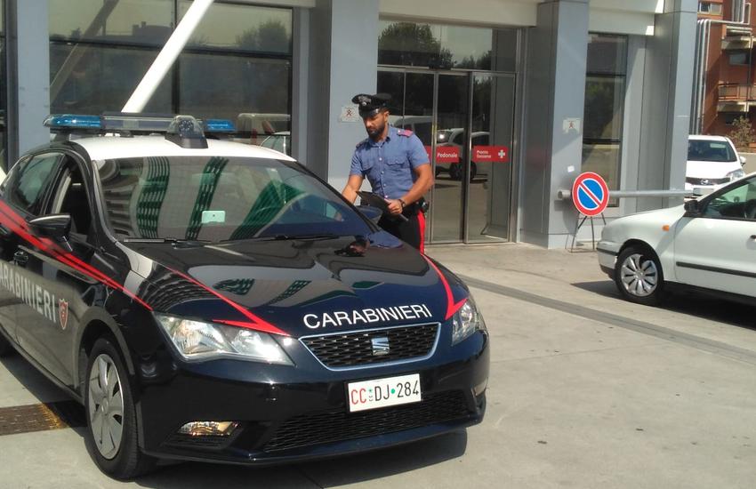 Sorrento – Donna ruba bicicletta elettrica, ma viene bloccata ed arrestata dai carabinieri