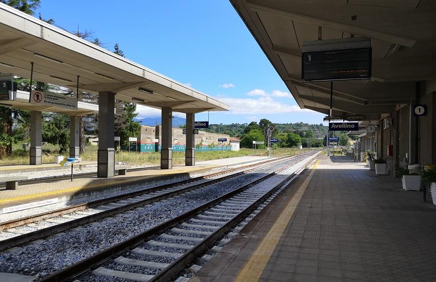 La Svizzera da domani ferma i treni verso l'Italia. L'assessore Claudia Maria Terzi scrive al ministro