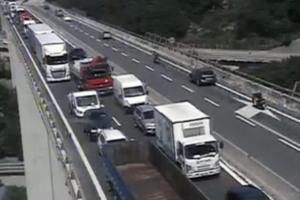 """Autostrade in Liguria, giornata da """"bollino rosso"""" tra cantieri e vacanzieri"""