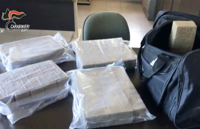 Associazione finalizzata al traffico di droga, 11 arresti a Mola
