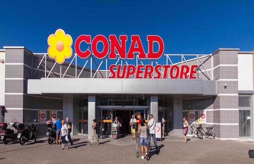 I soci Conad donano 53.600 euro all'ospedale Santo Stefano