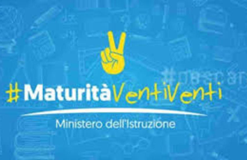 Il via all'esame di maturità 2020 con distanze di sicurezza e mascherine