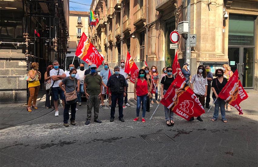 Catania, oggi sit in per le difficoltà dei lavoratori di mense e pulizie scolastiche