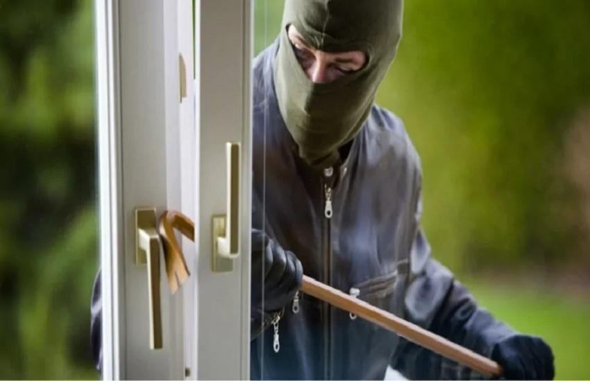 Arrestato ladro seriale, furti in ville per migliaia di euro