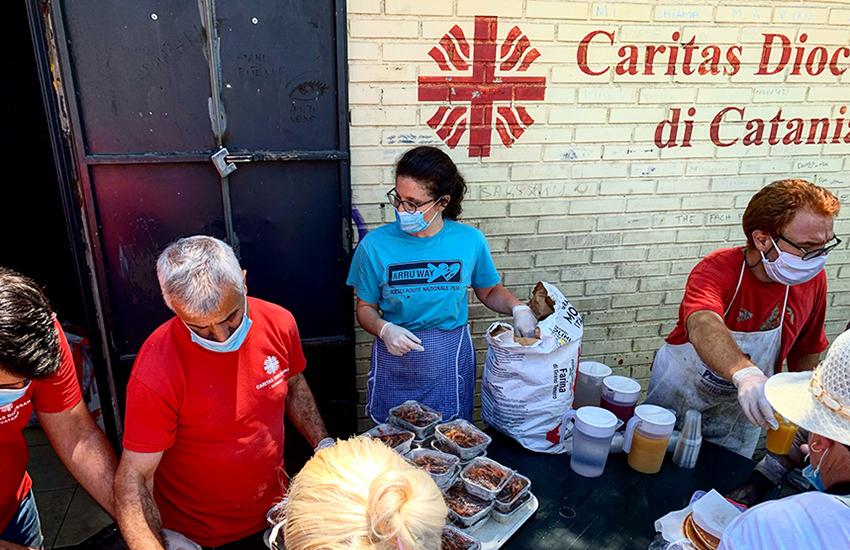 Help Center Catania, i numeri dell'emergenza: 400 pasti al giorno, 60% assistiti italiani