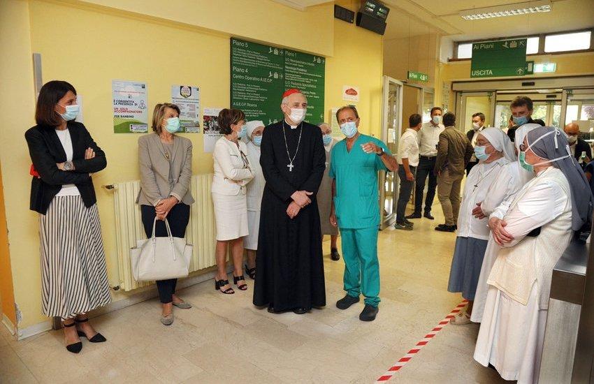 Il cardinale Zuppi in visita al Sant'Orsola