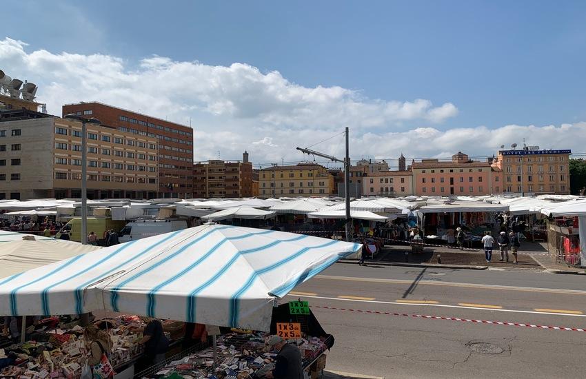 Il ritorno della Piazzola, il mercato storico di Bologna