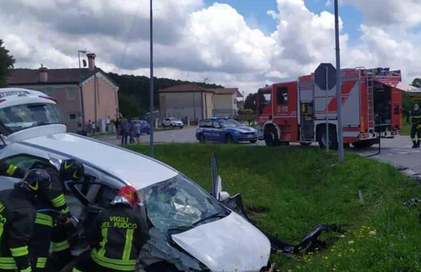 Piazzola sul Brenta, schianto frontale: due feriti non gravi