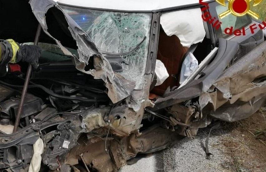 Volturara – Scontro tra auto sulla Ofantina, due feriti ricoverati al Moscati