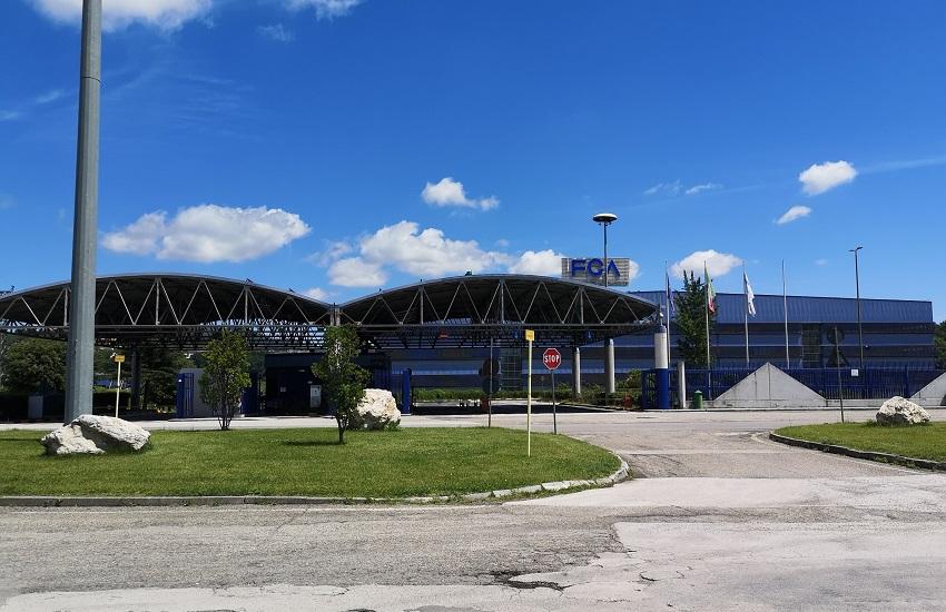 Fca conferma: a Pratola Serra 19 linee per la produzione di mascherine anti Covid, a Mirafiori attivi 25 impianti