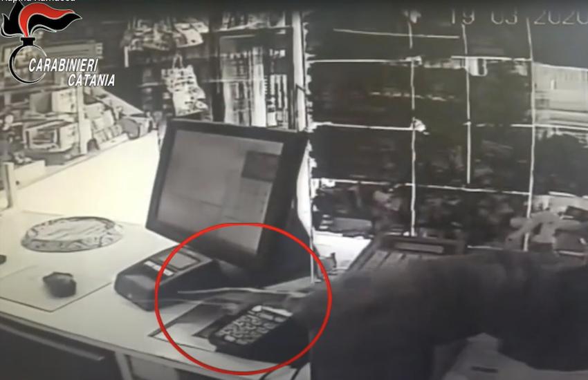 Ramacca, arrestato l'autore di una rapina fatta a una tabaccheria durante il lockdown (VIDEO)