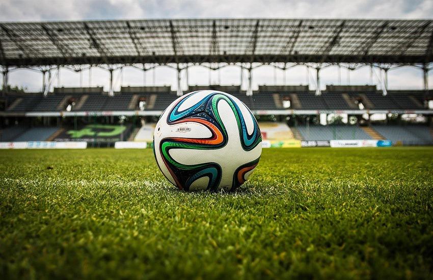 Calcio: USA aboliscono divieto di inginocchiarsi