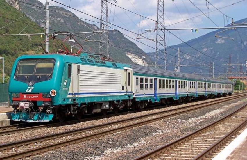 Trasporti in Sicilia, consegnati due treni a Messina