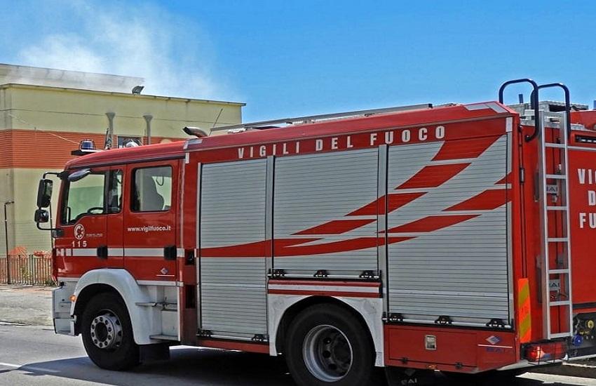 Manocalzati – Fiamme sulla motrice di una autocisterna carica di GPL: incendio domato dai vigili del fuoco
