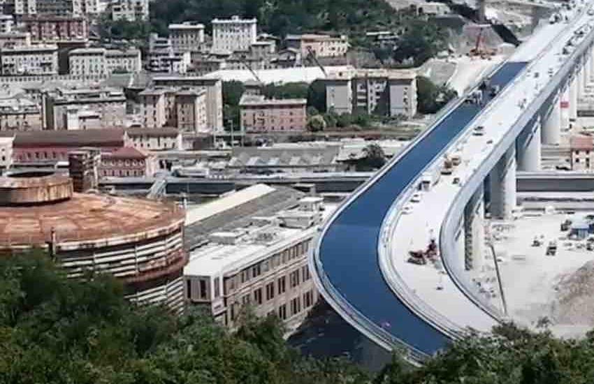 Ponte Morandi, Autostrade esclusa dalla ricostruzione per «urgenza e primi dubbi emersi dalle indagini». Le motivazioni della Corte Costituzionale