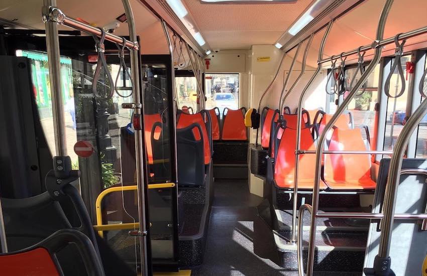 Trasporti, in arrivo 53 nuovi bus per l'Anm. Da oggi l'orario estivo