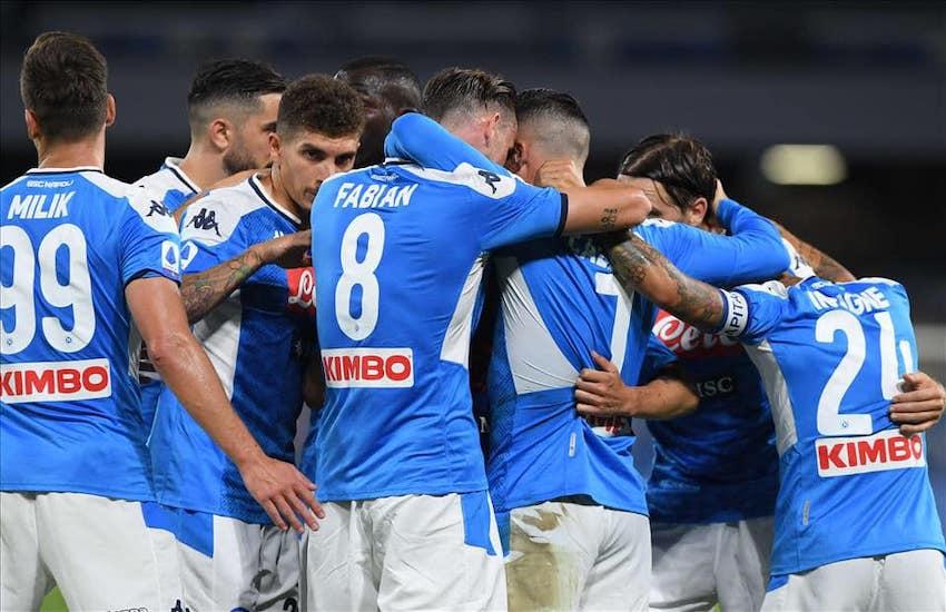 Calcio Napoli, tutti negativi i tamponi ai calciatori. Oggi l'amichevole col Pescara