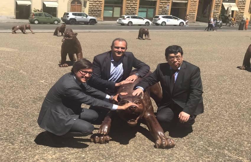 Dopo Napoli, i lupi di Ruowang presentati a Firenze