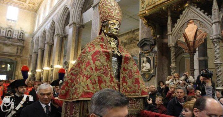 """Il """"culto di San Gennaro"""" candidato per il riconoscimento Unesco"""