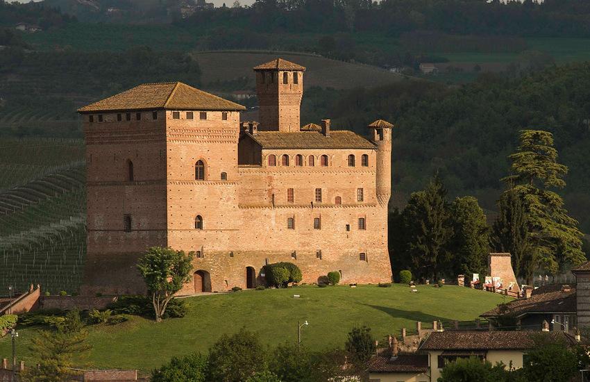 Langhe, i castelli di Barolo e Grinzane Cavour allungano gli orari di visita
