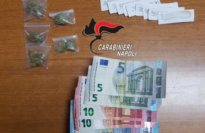 Andava in giro con bigliettini da visita, ma vendeva droga. Carabinieri arrestano 19enne