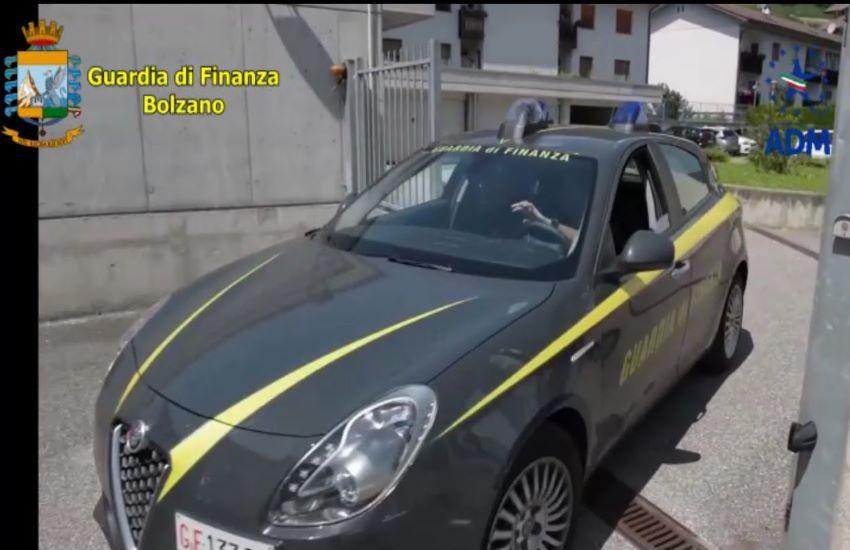 Contrabbando carburante. Sventata associazione a delinquere internazionale.Operazione dei finanzieri in tutta Italia