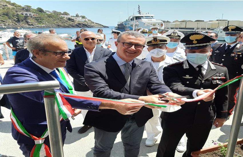 Ustica, inaugurata la stazione marittima